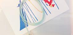 Handgefertigte Schneeflocke mit robustem Wachsband (c) Johanna Bauer